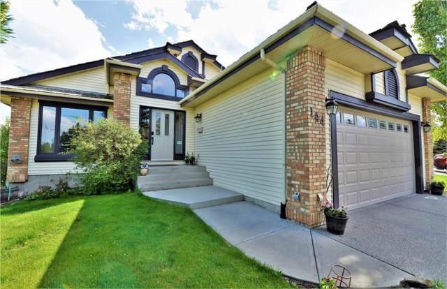 144 Douglas Woods Drive SE, Calgary, AB T2Z 1K8 (#C4272188) :: Redline Real Estate Group Inc