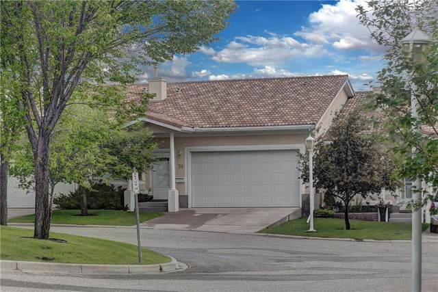 36 Signature Manor SW, Calgary, AB T3H 3P6 (#C4272926) :: Redline Real Estate Group Inc