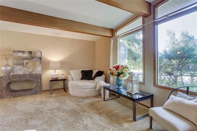 10 Roseview Drive NW, Calgary, AB T2K 1N7 (#C4275320) :: Virtu Real Estate