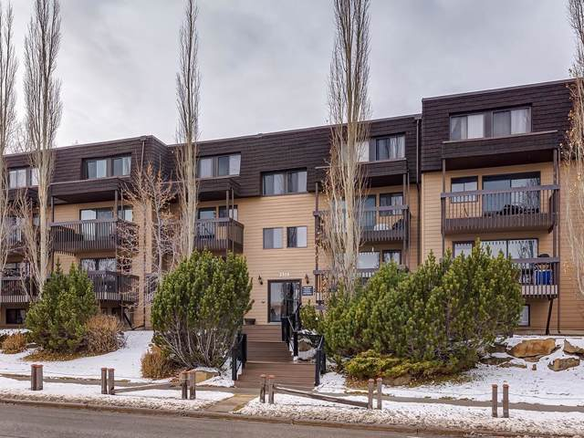 3519 49 Street NW #35, Calgary, AB T3A 2L8 (#C4275553) :: Virtu Real Estate
