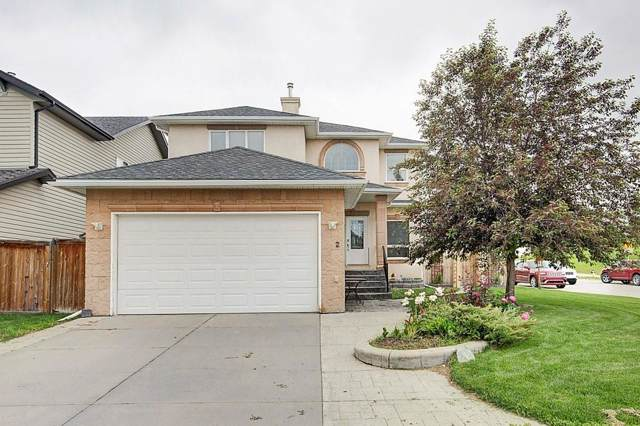 2 Royal Birkdale Crescent NW, Calgary, AB T3G 5R4 (#C4275609) :: The Cliff Stevenson Group