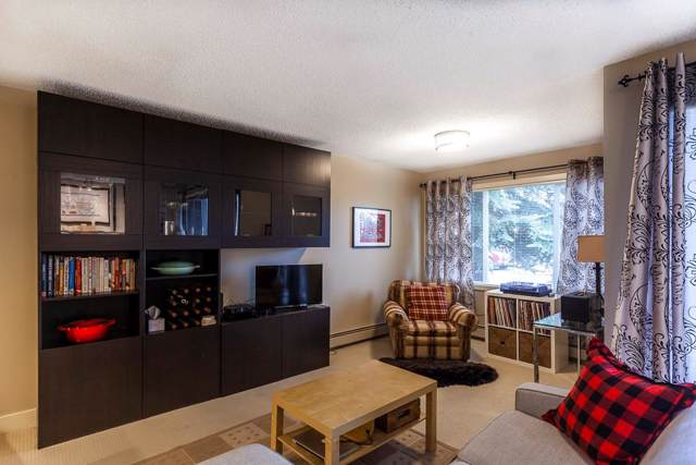 305 Village Mews SW #2, Calgary, AB T3H 2L3 (#C4276322) :: Virtu Real Estate