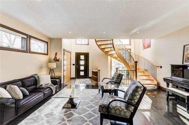 2040 49 Avenue SW, Calgary, AB T2T 2V4 (#C4282538) :: Redline Real Estate Group Inc