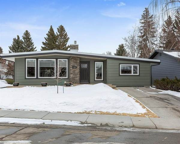 3227 Breen Crescent NW, Calgary, AB T2L 1S6 (#C4288801) :: The Cliff Stevenson Group