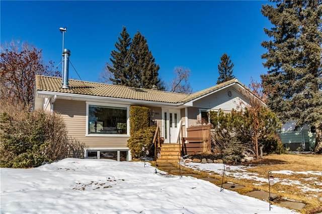 4911 43 Street SW, Calgary, AB T3E 3R2 (#C4292304) :: The Cliff Stevenson Group