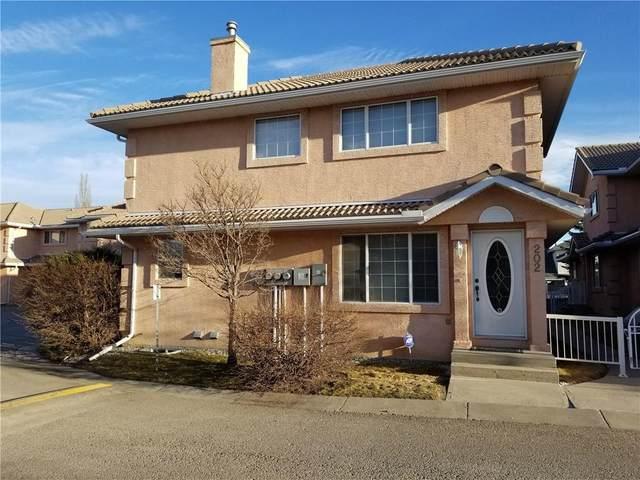 202 Coral Cove NE, Calgary, AB T3J 3Y9 (#C4294714) :: Redline Real Estate Group Inc