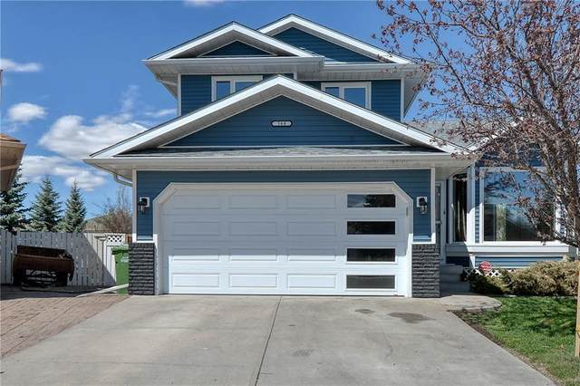 568 Meadowbrook Bay SE, Airdrie, AB T4A 2A9 (#C4296584) :: Calgary Homefinders