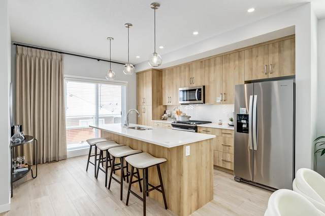 146 Shawnee Common SW, Calgary, AB T2Y 0P9 (#C4297561) :: Redline Real Estate Group Inc