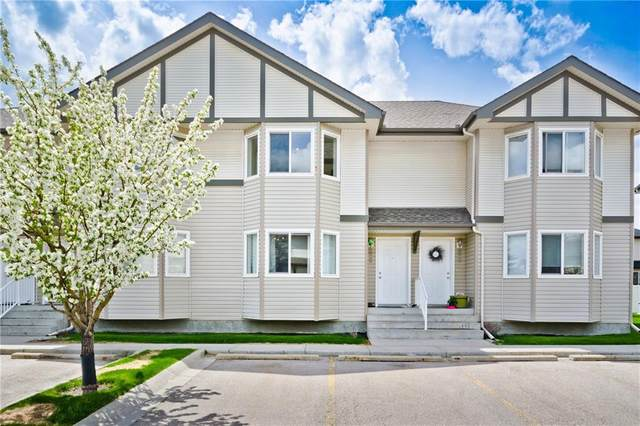 52 Royal Birch Villa(S) NW, Calgary, AB T3G 5V2 (#C4300668) :: Calgary Homefinders