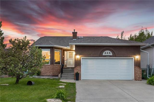 249 Lakeside Greens Crescent, Chestermere, AB T1X 1C3 (#C4300677) :: Redline Real Estate Group Inc