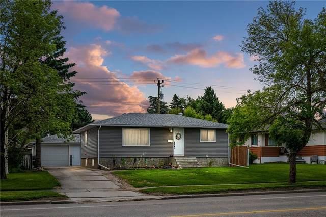 5927 Centre Street NW, Calgary, AB T2K 0T5 (#C4302907) :: Calgary Homefinders