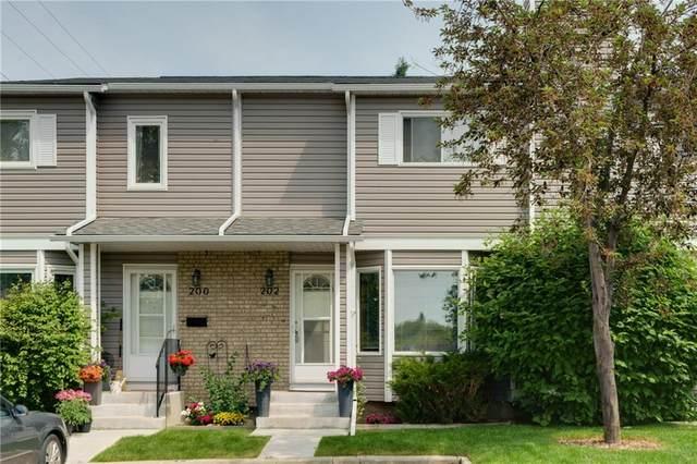 202 Cedarwood Park SW, Calgary, AB T2W 5T6 (#C4304981) :: Redline Real Estate Group Inc