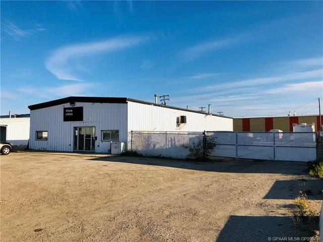 11055 92 Avenue, Grande Prairie, AB T8V 3J3 (#GP208701) :: Canmore & Banff