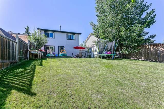 22 Hunters Gate, Okotoks, AB T1S 1K9 (#A1017084) :: Calgary Homefinders