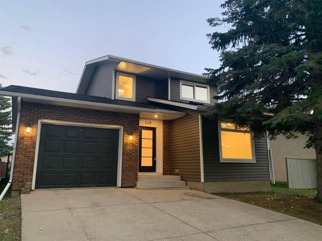 640 Woodpark Boulevard SW, Calgary, AB T2W 3R6 (#A1041693) :: Canmore & Banff