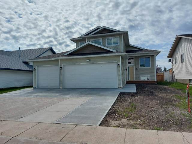 8945 107A Avenue A/B, Grande Prairie, AB T8X 1J8 (#A1046822) :: Canmore & Banff