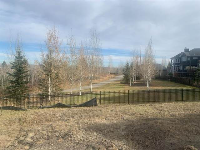 279 Valley Pointe Way NW, Calgary, AB T3B 5W8 (#A1052129) :: Redline Real Estate Group Inc