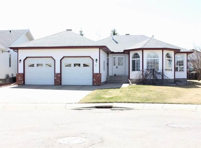 21 Falcon Crescent, Sylvan Lake, AB T4S 1Z2 (#A1058557) :: Calgary Homefinders