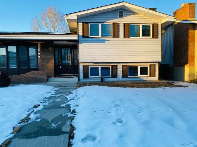 644 Rundleridge Drive NE, Calgary, AB  (#A1070338) :: Western Elite Real Estate Group