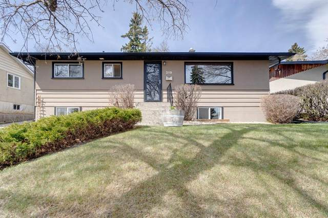 219 Hendon Drive NW, Calgary, AB T2K 1Z3 (#A1102936) :: Western Elite Real Estate Group