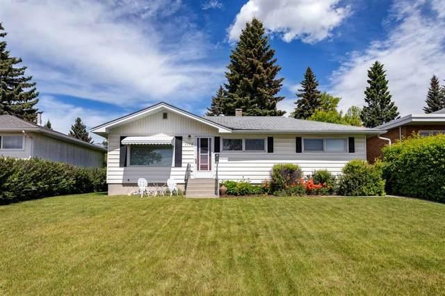 1112 31 Avenue NW, Calgary, AB T2K 0A9 (#A1118582) :: Calgary Homefinders