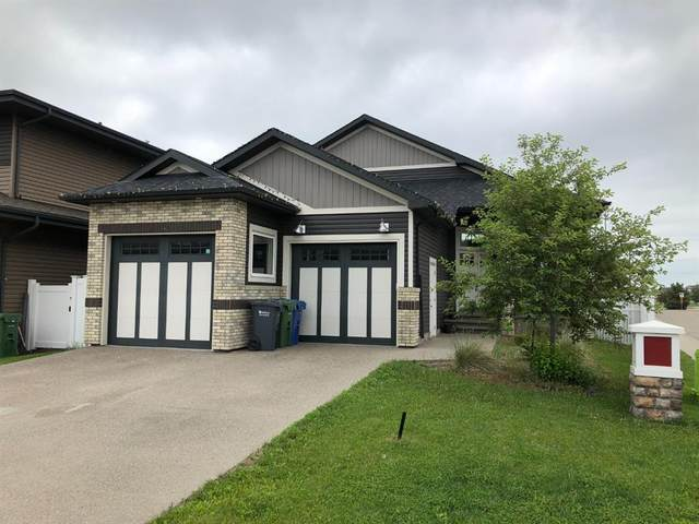 1 Lazaro Close, Red Deer, AB T4R 0R6 (#A1078610) :: Calgary Homefinders