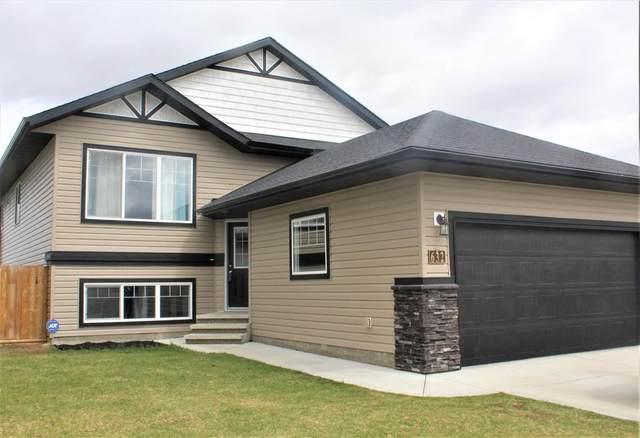 632 Robinson Avenue, Penhold, AB T0M 1R0 (#A1084050) :: Calgary Homefinders