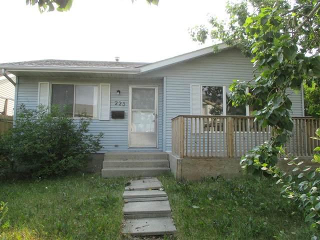 223 Castledale Way NE, Calgary, AB T3J 2A4 (#A1142074) :: Calgary Homefinders