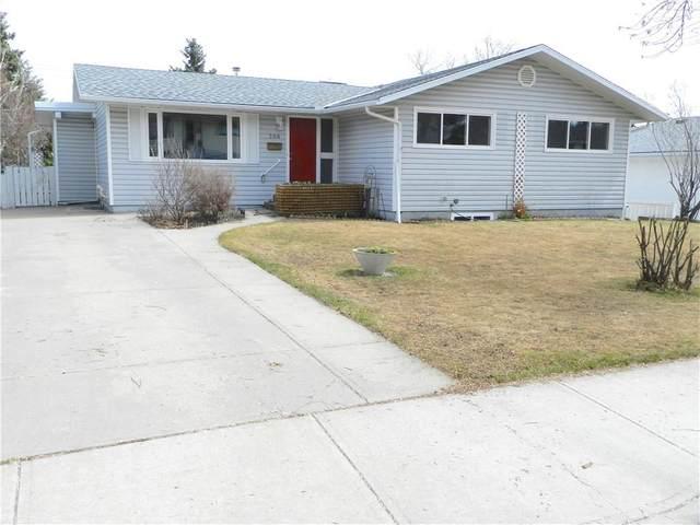 208 Hendon Drive NW, Calgary, AB T2K 1Z2 (#C4286373) :: Redline Real Estate Group Inc