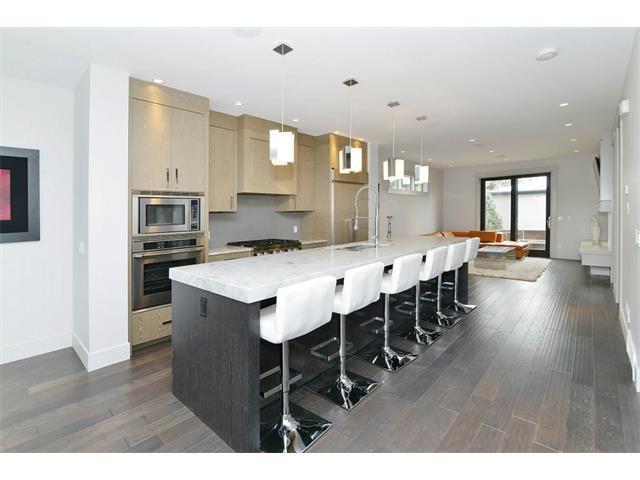 2539 2 Avenue NW, Calgary, AB T2V 3J4 (#C4113766) :: Tonkinson Real Estate Team