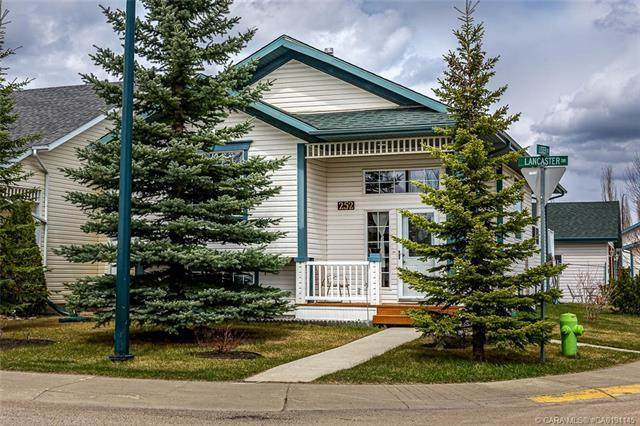 252 Lancaster Drive, Red Deer, AB T4R 2S6 (#A1017681) :: Canmore & Banff