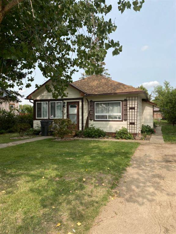 422 4 Avenue, Bassano, AB T0J 0B0 (#A1034390) :: Redline Real Estate Group Inc