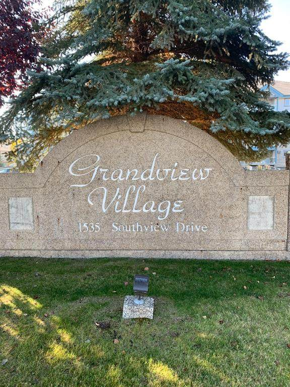 1535 Southview Drive - Photo 1