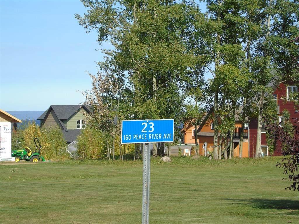 23 Peace River Avenue - Photo 1