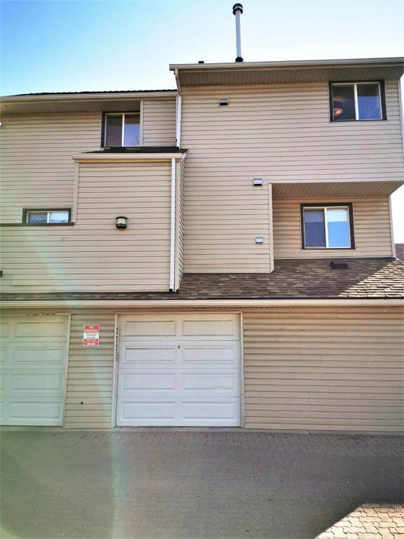 86 Glamis Green SW #277, Calgary, AB T3E 6V1 (#A1039638) :: Canmore & Banff