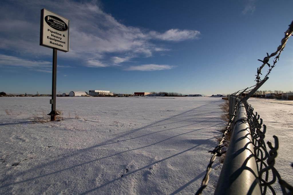 61055 Township Road 724 - Photo 1
