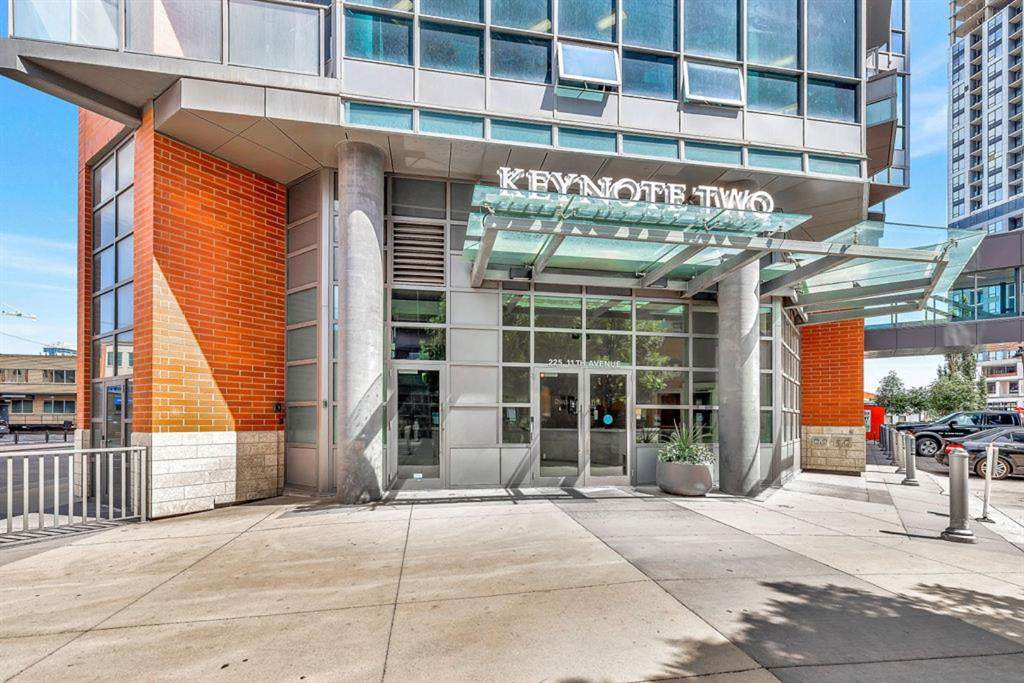 225 11 Avenue - Photo 1