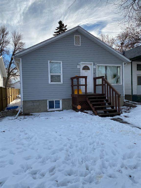 23 Pine Avenue, Brooks, AB T1R 0A1 (#A1071481) :: Western Elite Real Estate Group