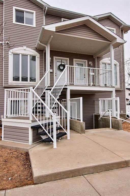 12 Somerset Lane SE, Medicine Hat, AB T1B 0E5 (#A1077636) :: Redline Real Estate Group Inc