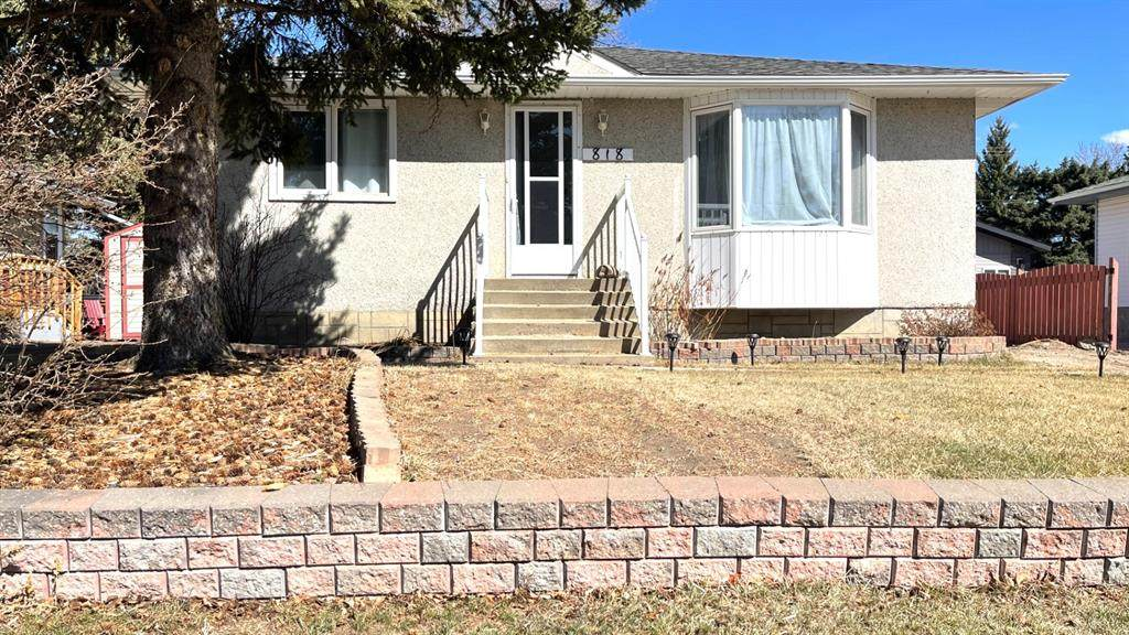 818 9th Ave. - Photo 1