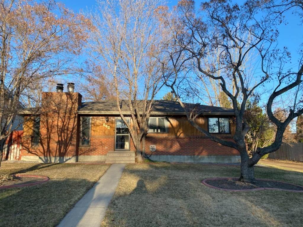 642 Lakewood Road - Photo 1