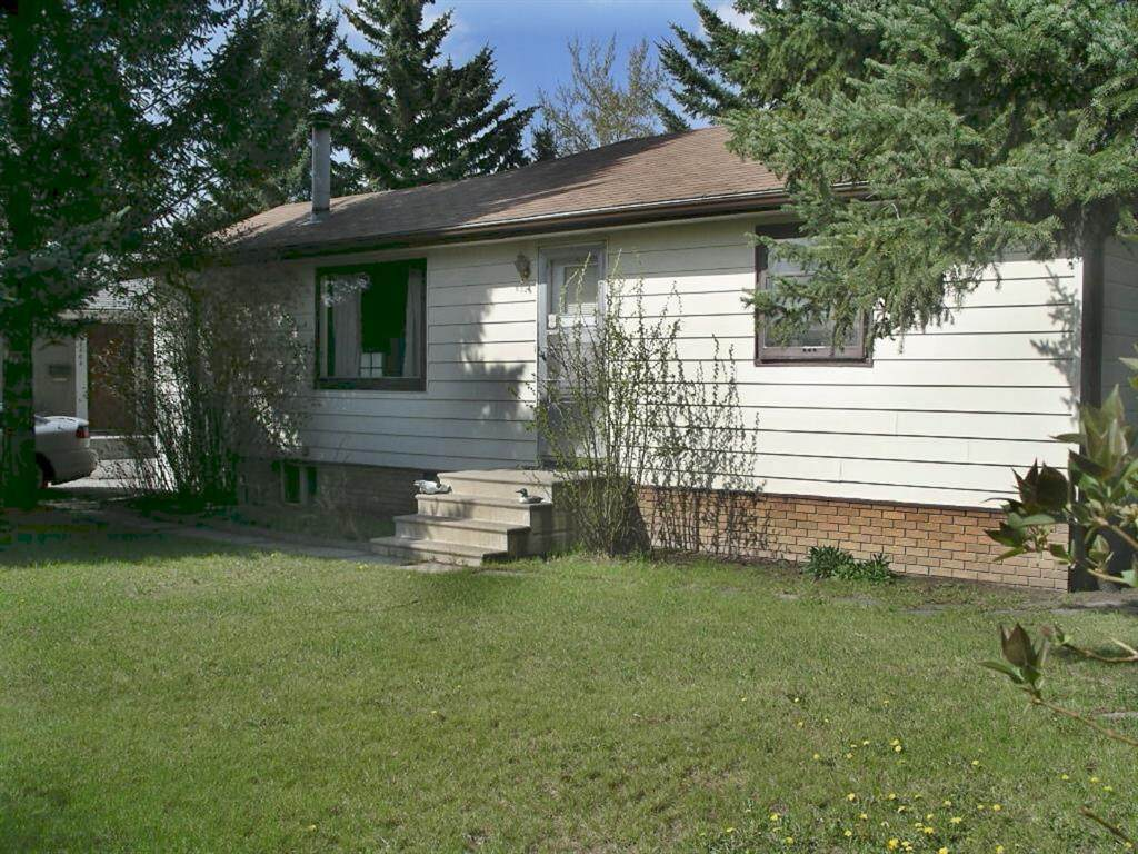 8524 Bowness Road - Photo 1
