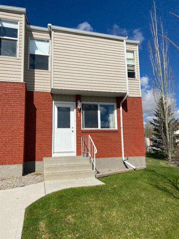 717 1 Street SW #1, High River, AB T1V 1A2 (#A1103841) :: Calgary Homefinders