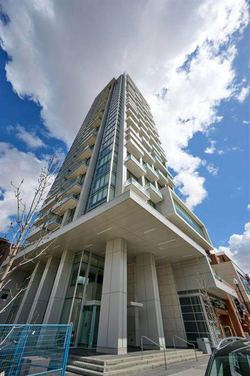 930 16 Avenue - Photo 1