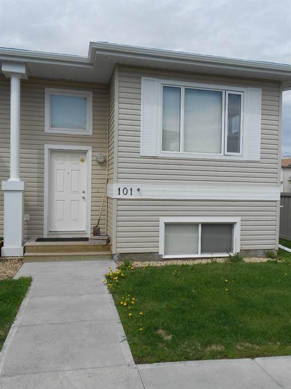 9105 91 Street #101, Grande Prairie, AB T8X 0E6 (#A1105774) :: Canmore & Banff