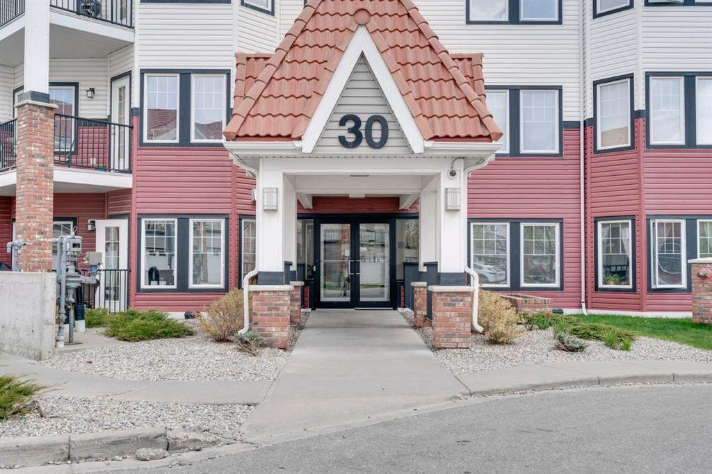 30 Royal Oak Plaza - Photo 1
