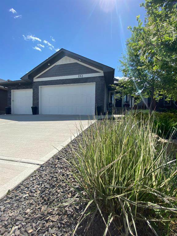 253 Riverwood Crescent SW, Black Diamond, AB T0L 0H0 (#A1116305) :: Calgary Homefinders