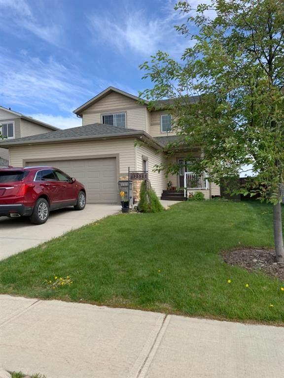 12525 105 Street, Grande Prairie, AB T8V 2N3 (#A1117342) :: Calgary Homefinders