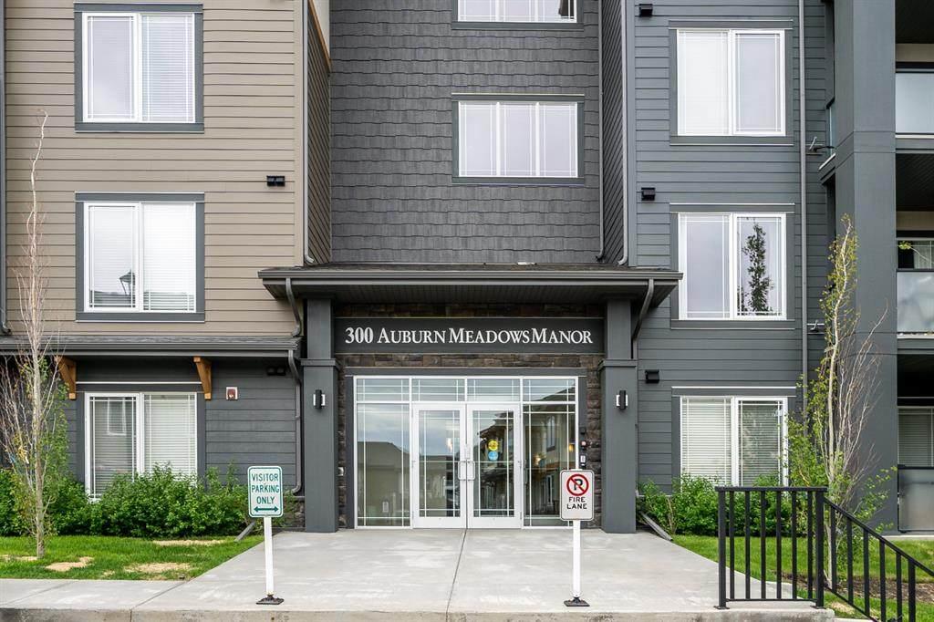 300 Auburn Meadows Manor - Photo 1