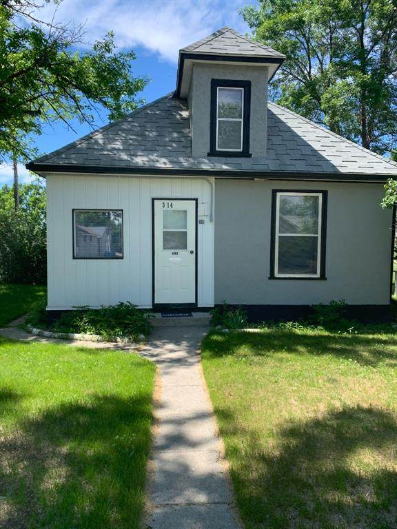 314 15 Street N, Lethbridge, AB T1H 2X8 (#A1119401) :: Calgary Homefinders